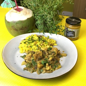 Papaya & Cashew Curry Coconut Sauce
